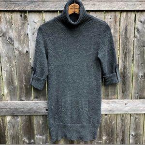 Gray Short Sleeve Turtle-neck Tunic Sweater Top